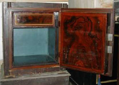 antike tresore antiktresor wiener kassenschr nke. Black Bedroom Furniture Sets. Home Design Ideas