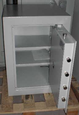 ausstellungsmodell 02 standtresor modell mt 52. Black Bedroom Furniture Sets. Home Design Ideas